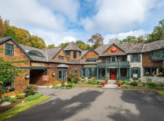 Real Estate: A Grand (and intimate) Eye-Catching 6 Bedroom Sanctuary