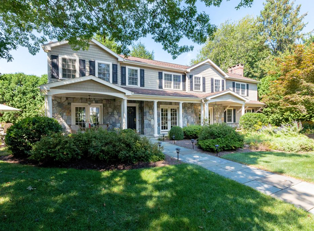 Greenwich Real Estate: Truly Turn-Key Living at this Private Riverside Colonial
