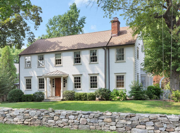 REAL ESTATE: Beautifully-Renovated Colonial in the Heart of Riverside