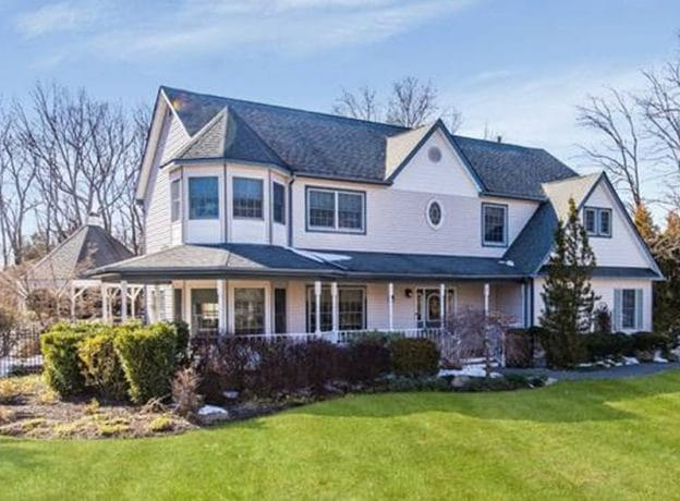 Colonial Real Estate : Real estate featured listing spacious colonial with an