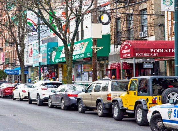LIVING HUNTINGTON ESCAPES: Arthur Avenue - Italian Food and History in the Bronx