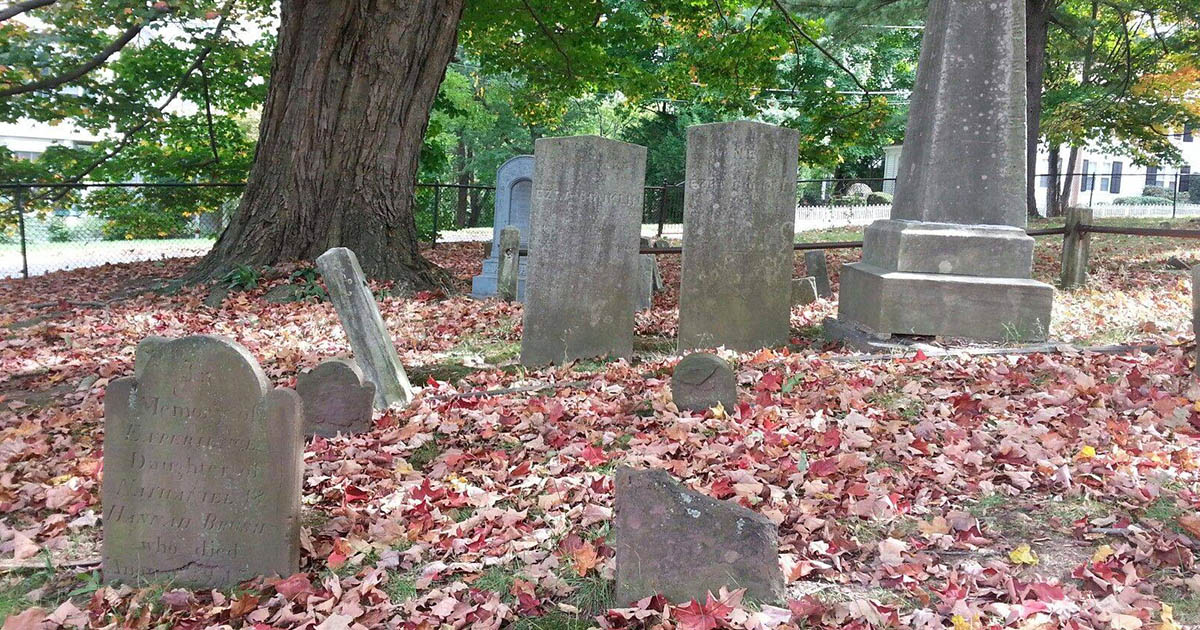 Tour of the Old Burying Ground Cemetery