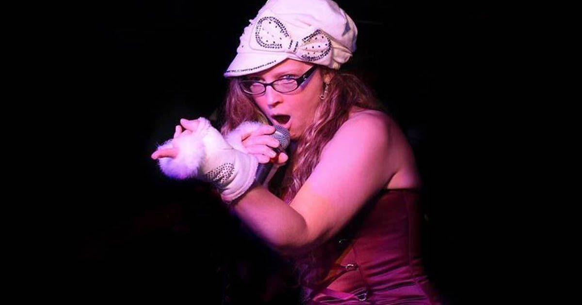 Lisa Polizzi Performs Beneath a Heated Tent at Napper Tandy's of Northport