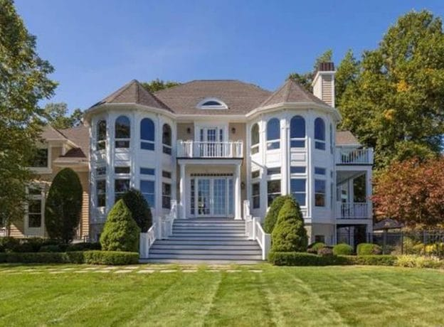 Real Estate   Custom Home with a Panorama Harbor Waterview