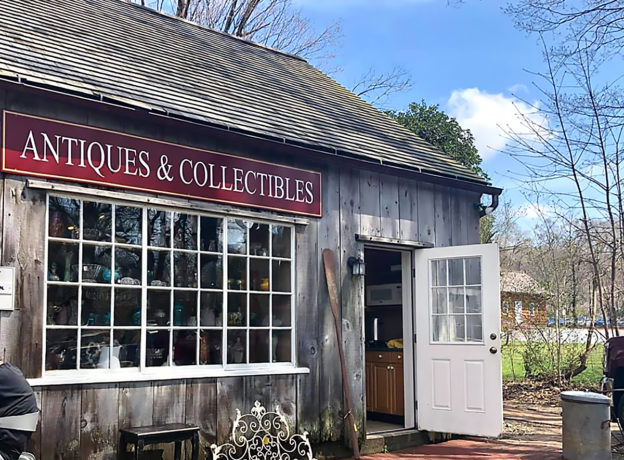 Do you love Antiques and collectibles? Volunteer for the Huntington Historical Society!