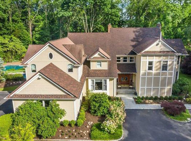 REAL ESTATE: Stately and Inviting 2 Pool Home In Cold Spring Harbor
