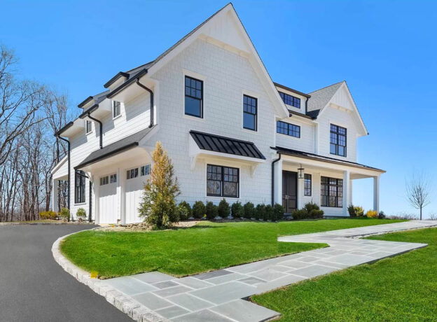 HUNTINGTON REAL ESTATE: New Construction With Harbor Views